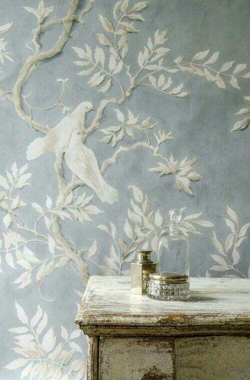 Gorgeous wallpaper...