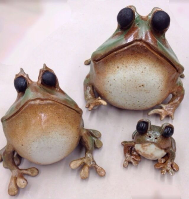Sal fired frogs,love frogs. would be cute adapted into a bank.