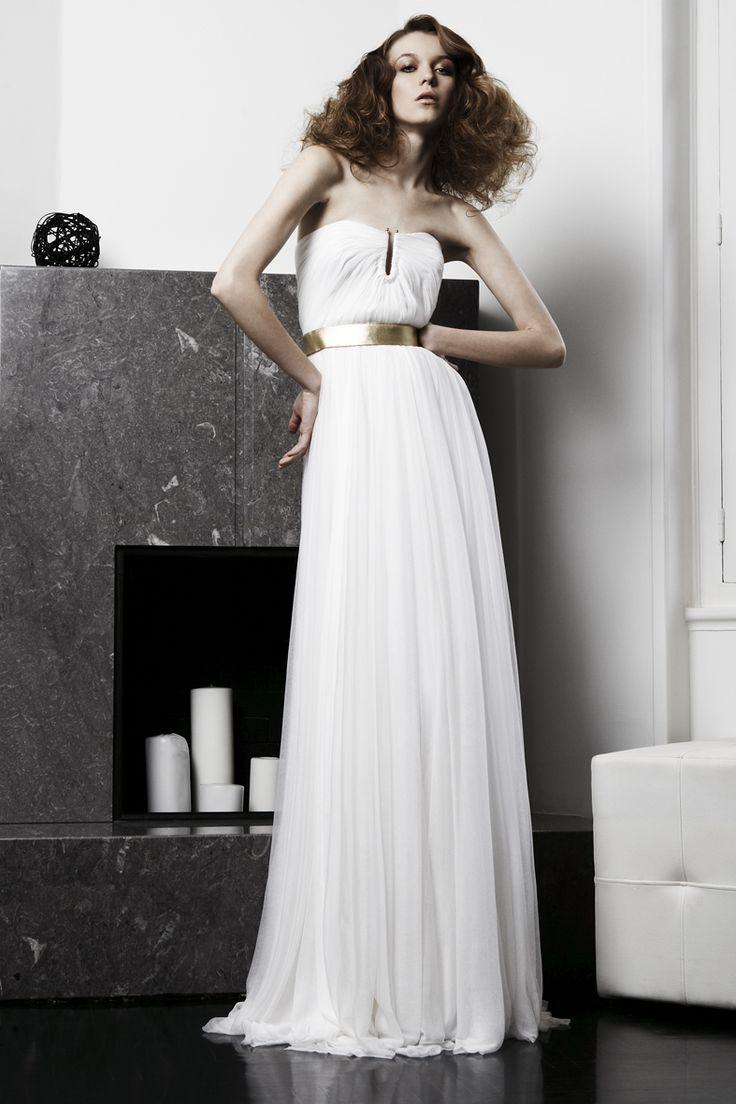 A gorgeous #CostarellosBridal #GreekChic column wedding gown from our 2008 collection! #christoscostarellos #costarellos #fashion #instafashion #photoshoot #athens #greece #pfw #fashionweek #luxuryfashion #couture #moda #mode #fbloggers #fashionnews #styling #style #greatstyle #highfashion #pretaporter #perfectbride  #fashionstyling #fashionstylist #greekdesigner #fashiondesigner #fashioneditorial #bridaldesigner #amazingbride #wedspiration #hot #vintagebride #retrobride #retro #vintage