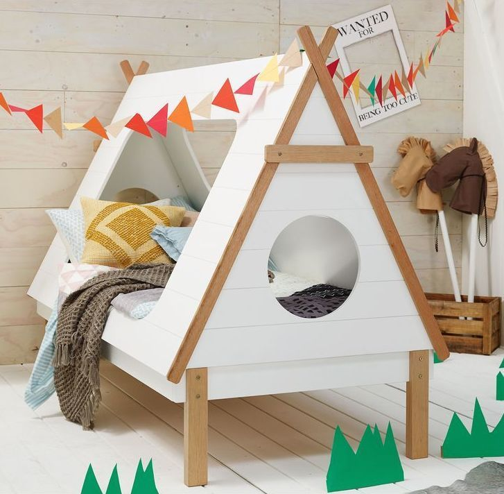 Cute kid's bed - like camping at home!