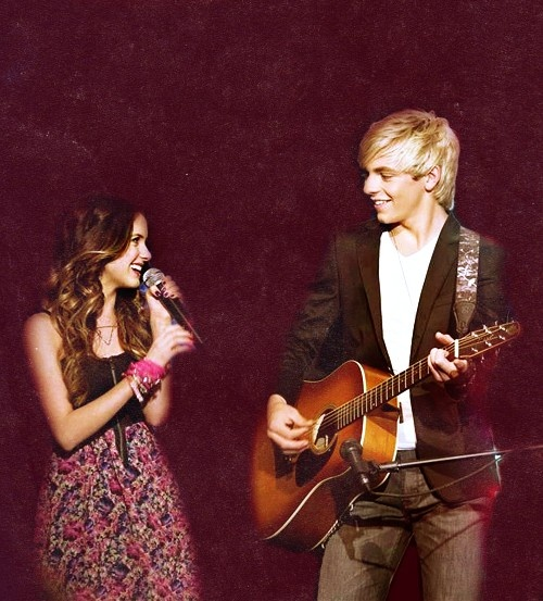 Austin and Ally, adorable!