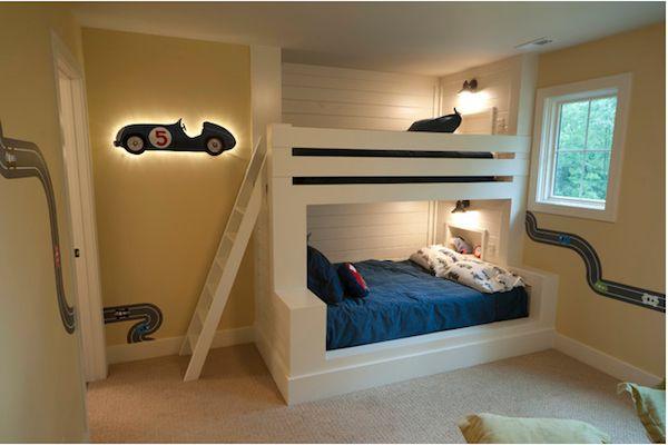 Habitaciones infantiles para fanáticos de los coches, decoradas con literas