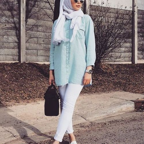 blue tunic shirt- white denim- Ideas for everyday casual hijab http://www.justtrendygirls.com/ideas-for-everyday-casual-hijab/