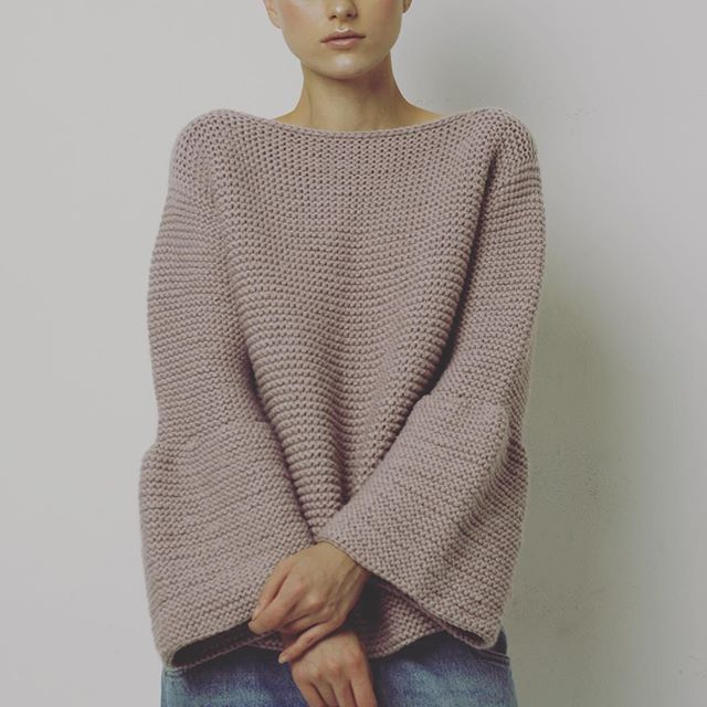 WEBSTA @ knittedkiss - friday mood🙆 #knittedkiss #sweater #bell #winter #vibes #friday #look #lookbook www.knittedkiss.com ph @mashakorn model @evadubova