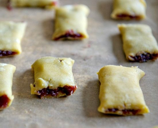 Homemade Fig Newtons - Healthy Green Kitchen/THERES a GF Flour mix recipe posted on this page too!
