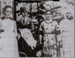 Atatürkün çocukluk resmi, atatürkün çocukluk fotoğrafı, atatürkün çocukluk resimleri fotoğrafları, gençlik yılları, en detaylı resimler ve bilgiler burada..