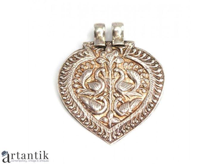 Pandant - amuleta hindusa Yoni -  argint