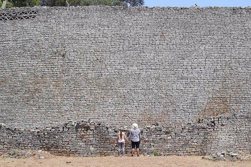 """We did a road trip to Great Zimbabwe last weekend and it blew our minds! We learned so much! Did you know that there was an Iron Age civilisation almost 1000 years ago in what is now southern Zimbabwe? Me neither!  😲😲😲  It was founded and ruled by Shona kings for over 400 years and this is one of the things they built. EPIC! 👊💯‼️  They clearly were expert stone masons and engineers to build such structures without mortar. FUN FACT: The word """"Zimbabwe"""" in Shona means """"large houses of…"""