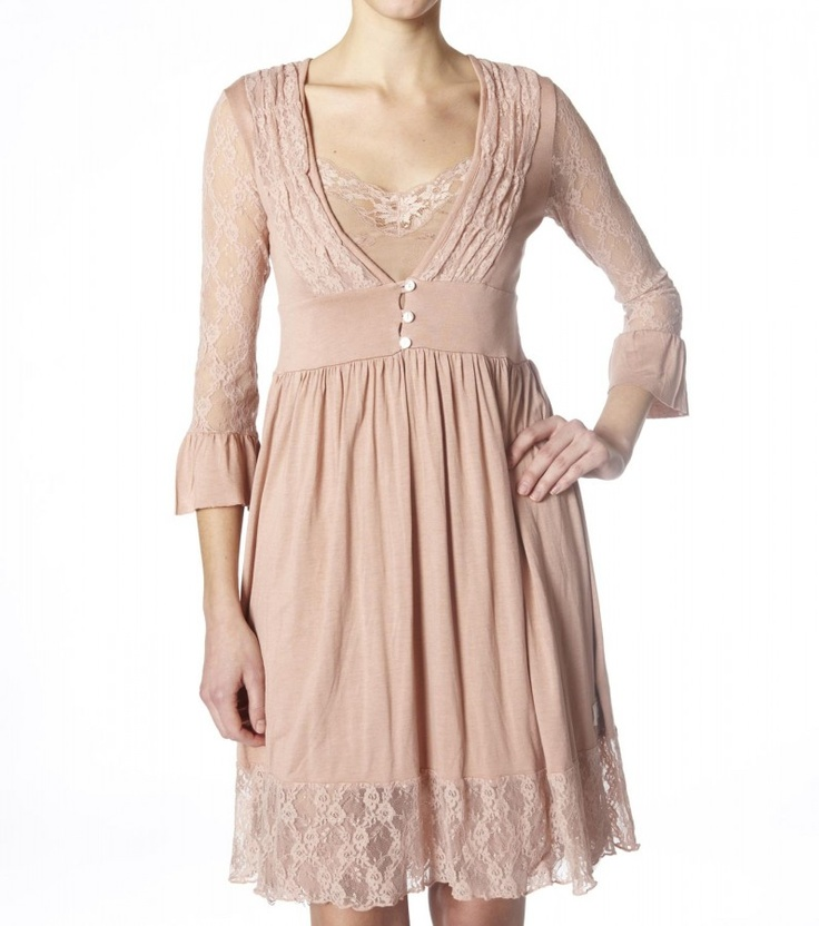 This gorgeous Easy V-Dress 751, by Odd Molly is made from super soft jersey fabric in a delicate antique pink. It fits effortlessly and flows beautifully.