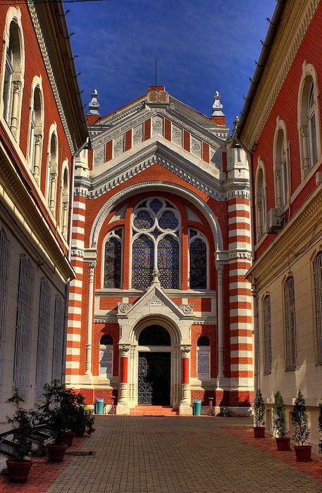 Visit The Synagogue of Brasov ~ Brasov, Romania
