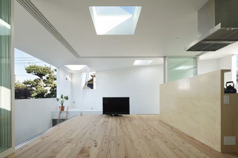 Inside-Out-by-Takeshi-Hosaka-Architects-1 (7)
