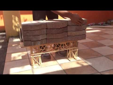 Prueba de rigidez al segundo Puente de palitos de madera - YouTube
