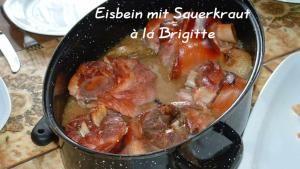 Eisbein mit Sauerkraut à la Brigitte