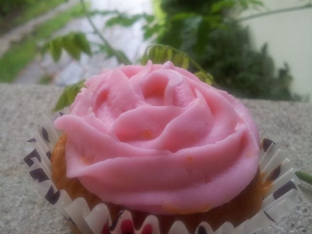 Aussie+in+a+Swiss+kitchen:+Whole+orange+cupcakes+with+strawberry+mascarpone+f...