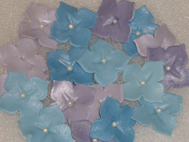 50 Edible Gum Paste Hydrangea Single Flowers by GumpasteGarden on Etsy https://www.etsy.com/listing/97548316/50-edible-gum-paste-hydrangea-single