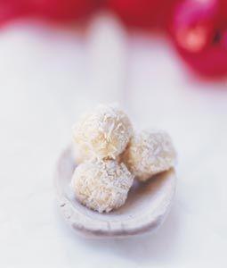 Kardemumman ger den vita chokladen precis den spännande smaksättning den så väl behöver.