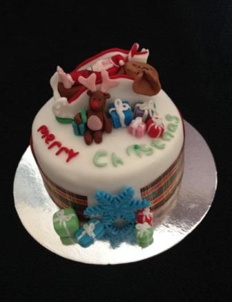 Sleeping Santa Christmas Cake by Chaos Cakes za