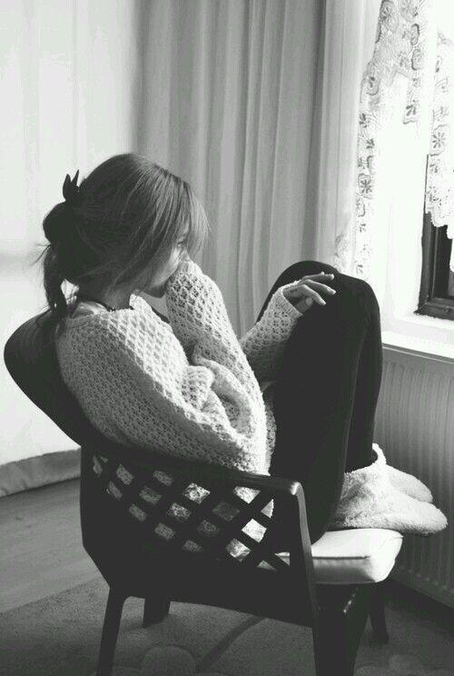 alone-black-and-white-depression-girl-Favim.com-2967992.jpg (500×744)