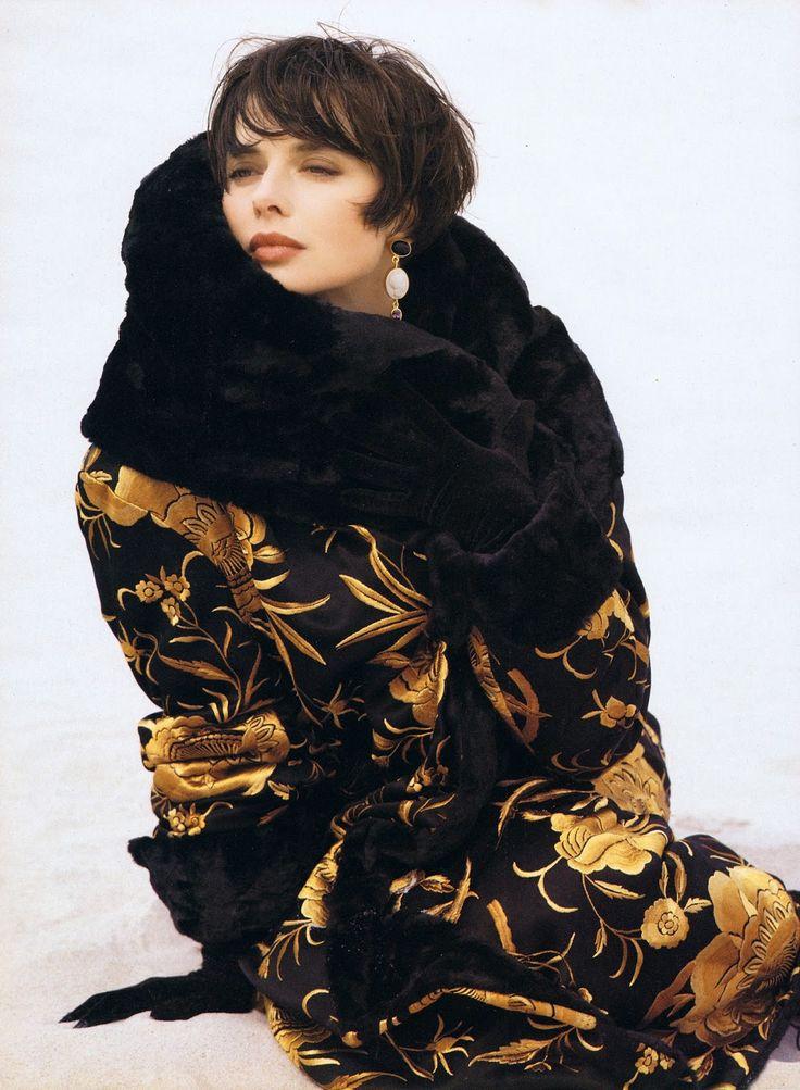 Vogue Spirit: Isabella Rossellini > Editorials