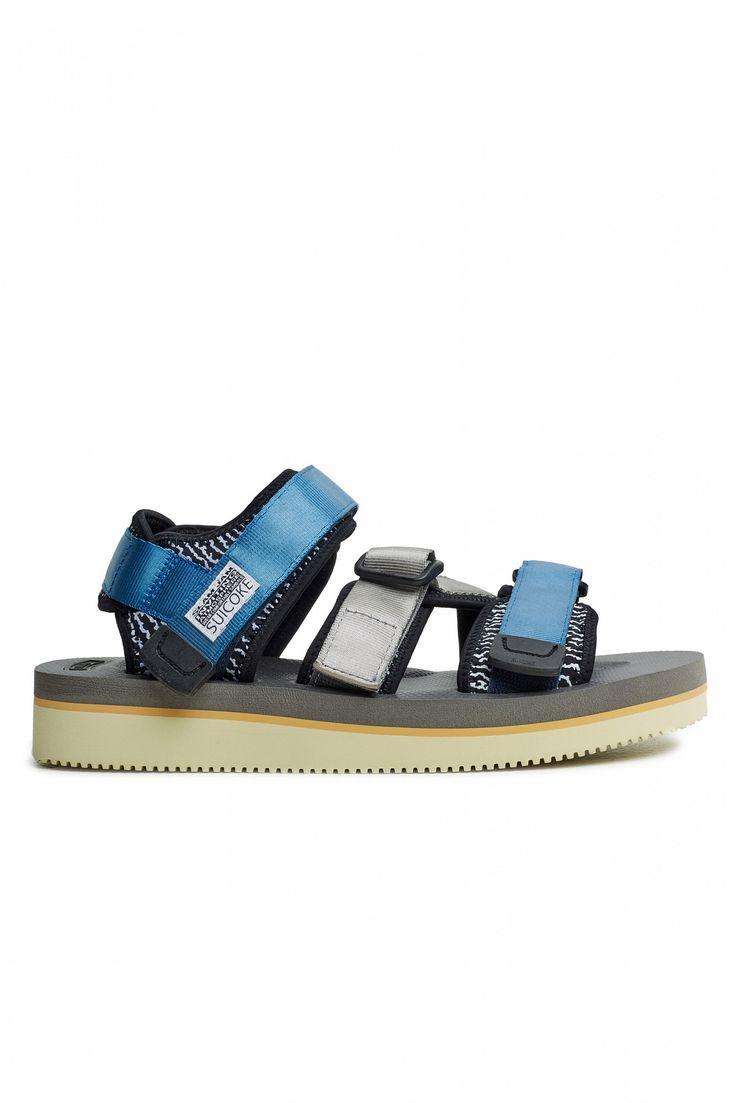 """<span style=""""background-color: #ffffff;"""">Результатом коллаборации культового итальянского ритейлера Slam Jam и японского производителя спортивной обуви SUICOKE стали сандалии The Kisee, доступные в двух разных расцветках: <a href=""""/catalog/product/76397/"""">красные</a> и синие. Эти яркие сандалии, вдохновением для которых послужила яркая цветовая палитра Issey Miyake конца 90-х, выпо..."""