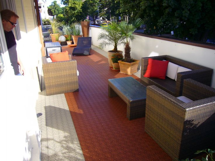 terrasse mit bergo xl in terracotta und sandbeige terrassen terrassenboden terrassenbelag. Black Bedroom Furniture Sets. Home Design Ideas
