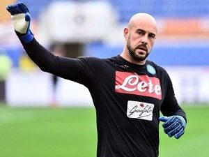 Pepe Reina 'offered new Napoli deal with £4m release clause'