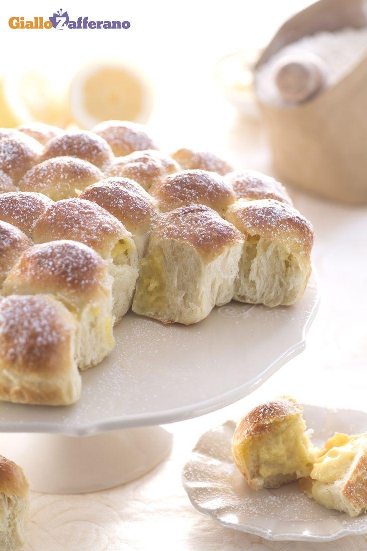 Con il DANUBIO DOLCE (sweet danubio bread) sarà una scoperta, pallina dopo pallina ripiena di crema pasticcera! #ricetta #GialloZafferano #dolci #italianfood #italianrecipe