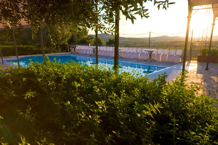 ♡ #Agosto in B&B in #agriturismo con piscina! Conviene! ♡ #August in B&B in farmstay with swimming pool! Worthing offer! http://www.villa-clelia.it/it/offerte-agriturismi-sirolo-offerte-bed-and-breakfast-sirolo/item/offerta-agosto-sirolo
