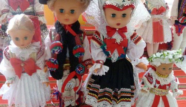 Výstava krojovaných bábik - Základné školy - SkolskyServis.TERAZ.sk