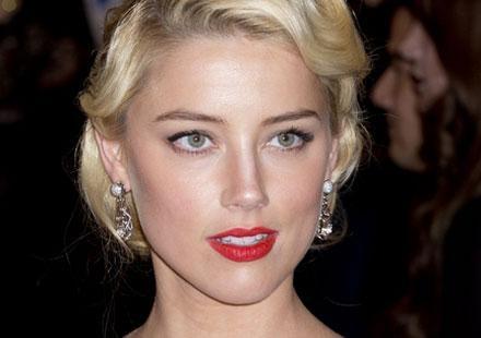 """Amber Heard s'enfonce : """"Johnny Depp est merveilleux"""", ou la déclaration qui ne va pas arranger son cas"""