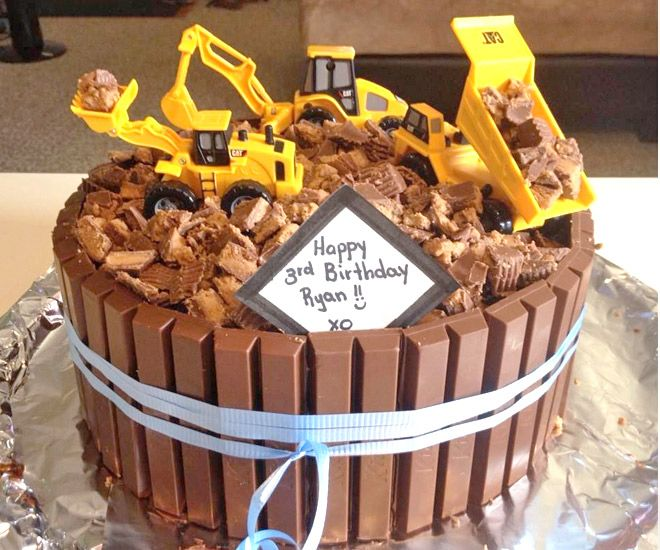 Cakespiration 12 Construction Cakes They Ll Really Dig Mum S Grapevine Digger Cakedigger Partyeasy Kids