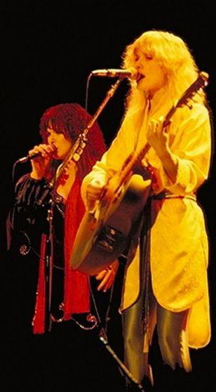 Heart - Ann & Nancy Wilson (1978) - Dog & Butterfly Tour