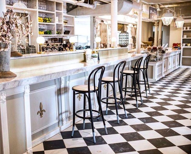 10 photos du SUPERBE nouveau resto Mandy's dans le Vieux-Montréal