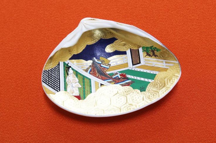 """Kai-Awase"" tells you about ""Genji Monogatari"" written by Shikibu Murasaki in the 11th century."