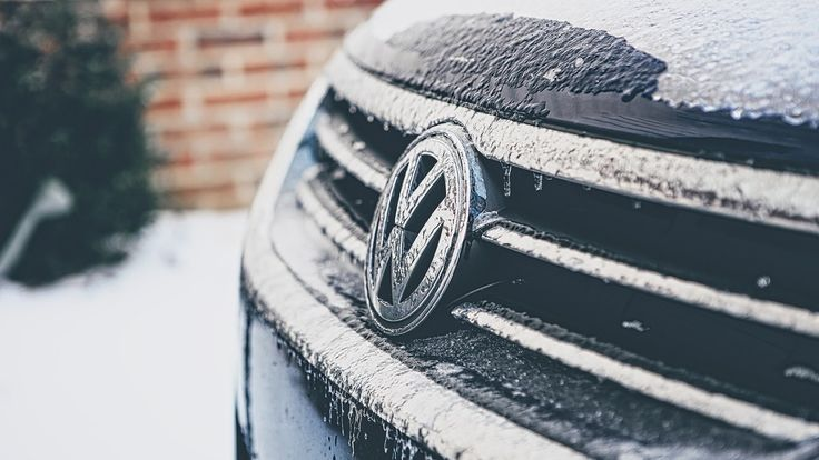 <p>Don't waste any time and start preparing your vehicle for the freezing cold Canadian weather.</p>