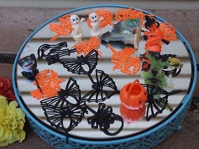 Vintage Halloween 20+ piece Plastic Pumpkin Witch Cat Casper Ghost Cake Toppers