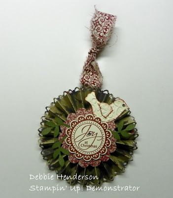 Debbie's Designs: Accordian Ornament