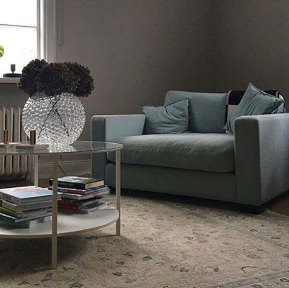 Turkos Valen loveseat fåtölj, djup, dun, linne, låg, stor, rymlig, vardagsrum, möbler, inredning. http://sweef.se/fatoljer-puffar/164-valen-fatolj-i-linne.html