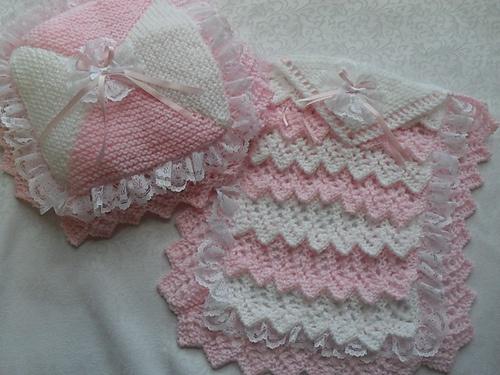 Ravelry: dolls layers pram/cot blanket and pillow knitting pattern pattern by karen nellsbabyknits