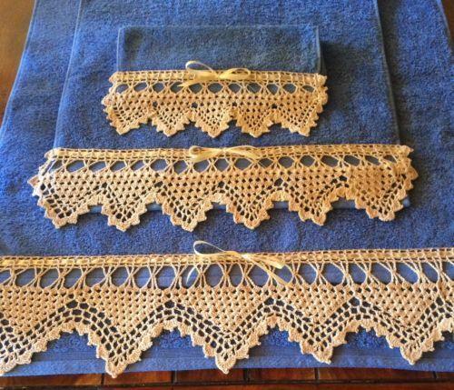 Juegp de toallas con puntilla de ganchillo crochet hilo de algodos www.lafabricadecucadas.com