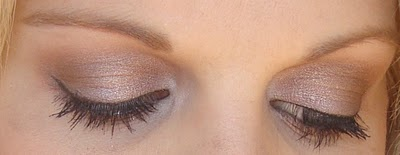 MAC - satin taupe all over, woodwinked in the crease