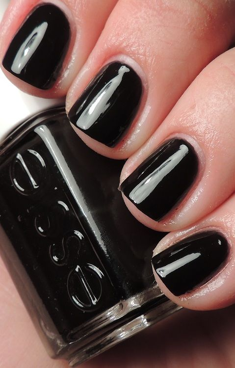 Licorice Eternally cool. Effortlessly chic. Essie's original beguiling jet black lacquer laces up a deep, dark and delicious look for a rockstar attitude with sophisticated style.