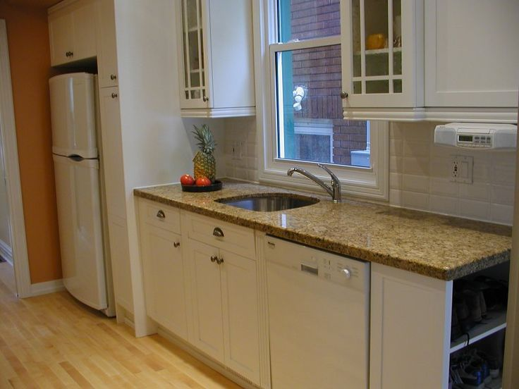 Fantastic small galley kitchen remodel best for Small galley kitchens with white cabinets