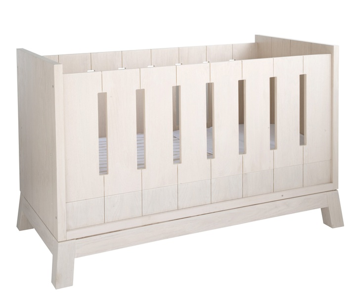 #planetlittle #pietboon Cot (bedbase in high position)