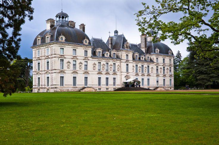 Château de Cheverny ayant inspiré le dessinateur Hergé pour créer le château de Moulinsart dans la BD Tintin.