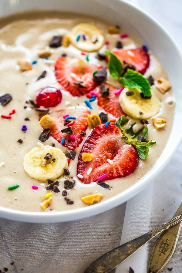BANANA SPLIT VEGAN SMOOTHIE BOWL - (It is one of the Pin from 15 Quick Breakfast Ideas Ready In 5 Minutes) If you are looking for Smoothie bowl recipe, Fruit bowls recipe, Berry smoothie bowl, Fruit bowl recipe, Easy smoothie bowl, Breakfast smoothie bowl, Smoothie bowl recipe vegan, Healthy smoothie bowl recipe, Banana bowl, check this pin. #smoothie_bowl #Banana #Vegan