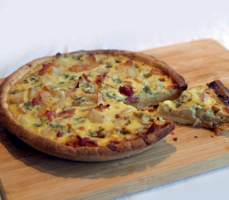 Caramelized Pear and Blue Cheese Quiche by Chef Sheilla Lopez - http://www.breakfastmag.com/03/06/2014/caramelized-pear-and-blue-cheese-quiche/