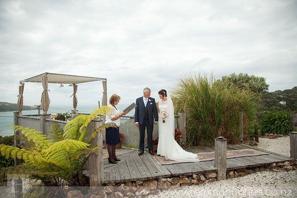 Waiheke-Wedding-at-The-Boatshed_032