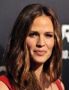 Jennifer Garner Medium Layered Textured Hairstyles 2013
