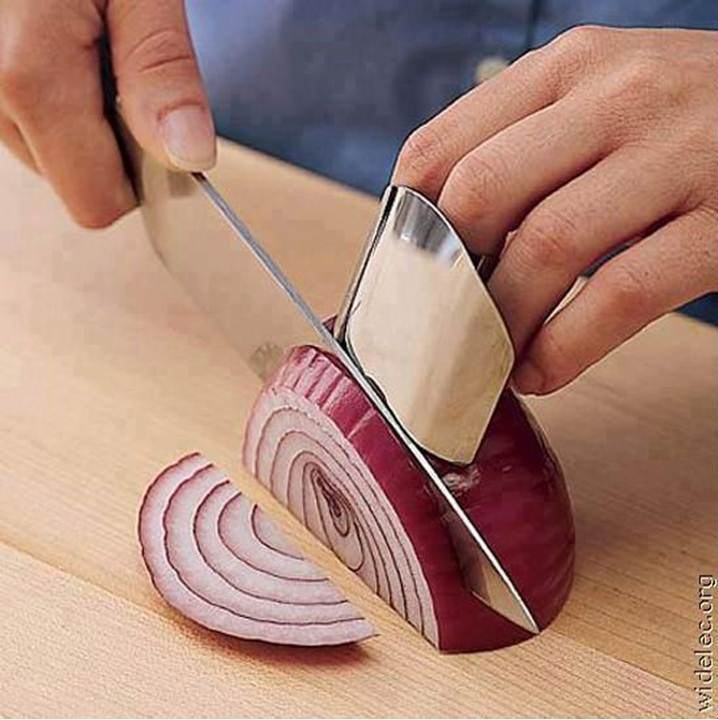 Finger saver safety cooking up ideas pinterest safety onions and fingers - Unknown uses for an onion ...